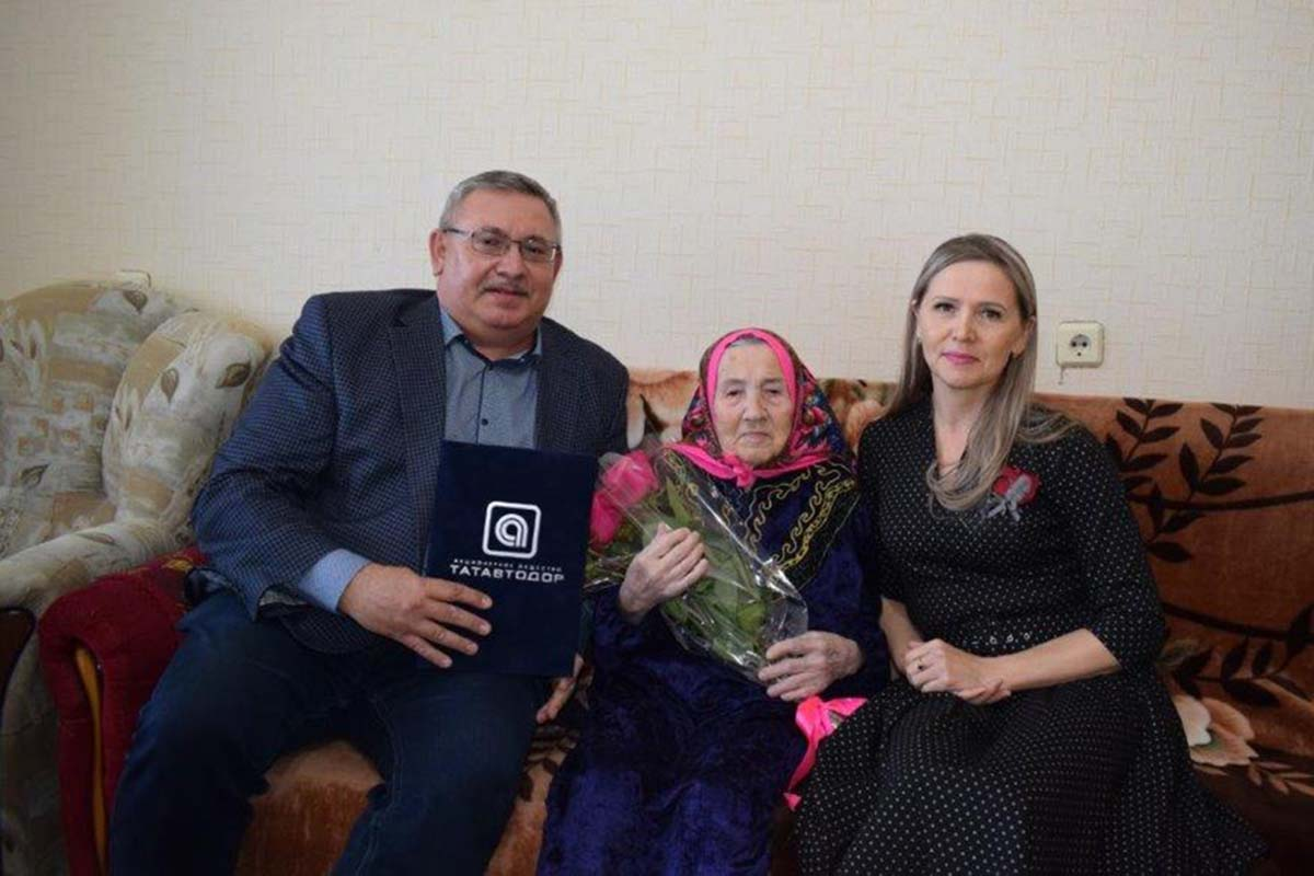 Our congratulations to Gulsum S. Sultanova on her jubilee!